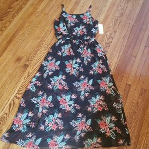 NWT Beautiful Flowered Sun Dress